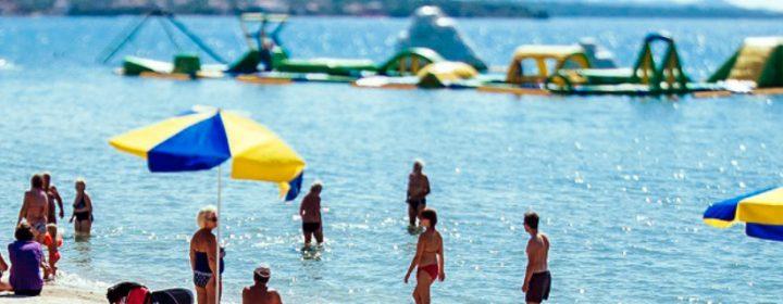 Un petit bonjour de Ton & Lucia depuis LE village de vacances de la côte croate